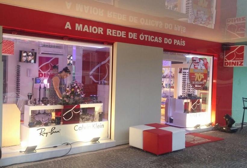 38024ce3a Óticas Diniz - Inauguração em Goiás Ver galeria